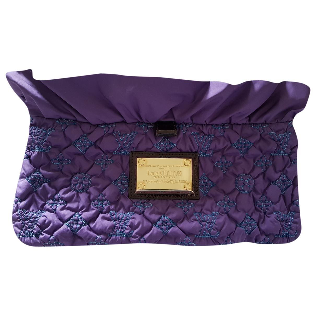 Pochette de Seda Louis Vuitton