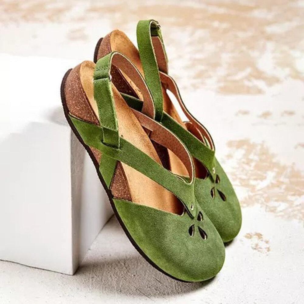Plus Size Women Retro Casual Closed Toe Hollow Hook Loop Flat Sandals