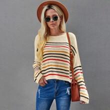 Pullover mit bunten Streifen und sehr tief angesetzter Schulterpartie