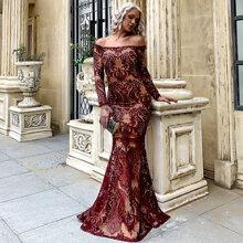 schulterfreies Kleid mit Pailletten und Netzstoff