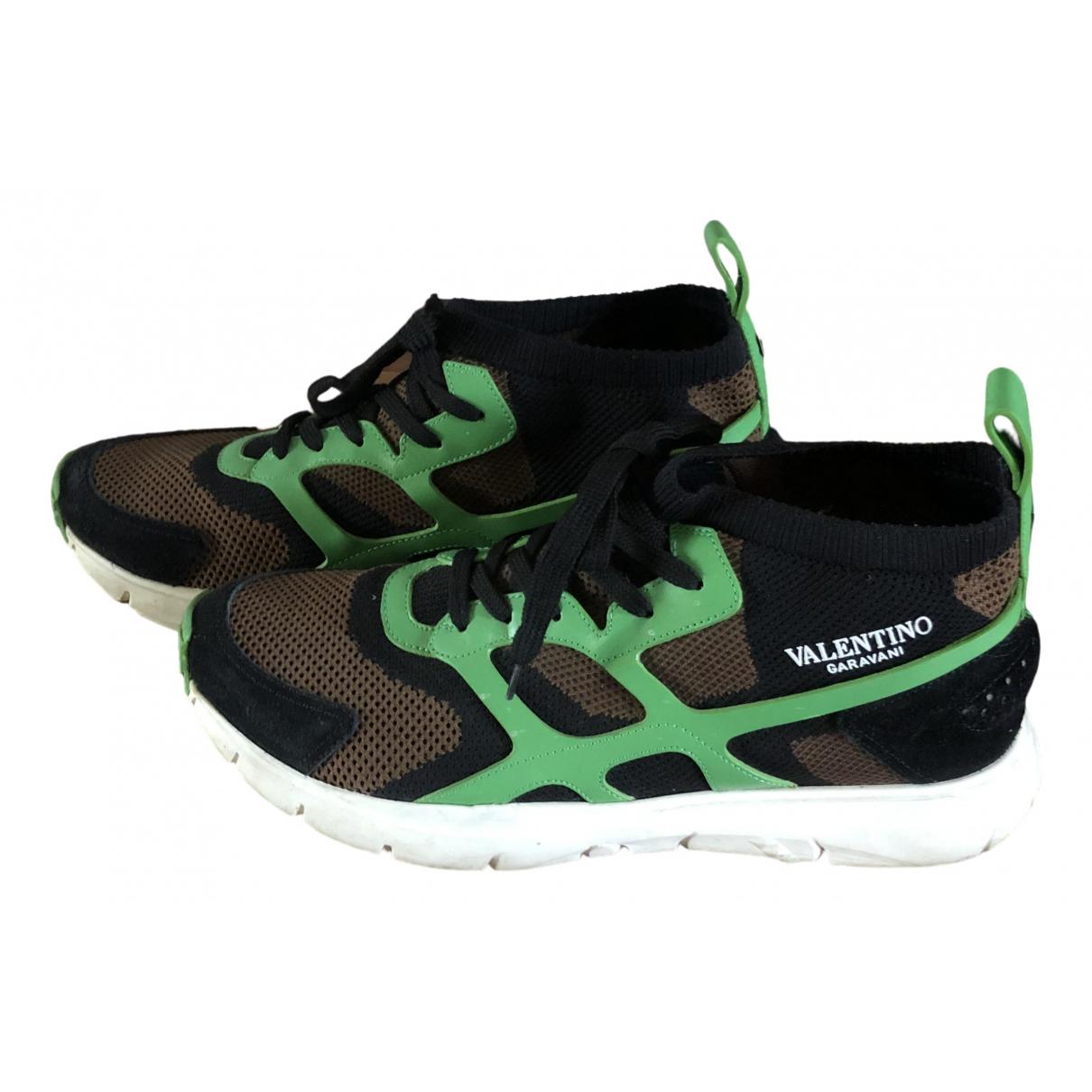 Valentino Garavani Rockrunner Sneakers in  Gruen Leinen
