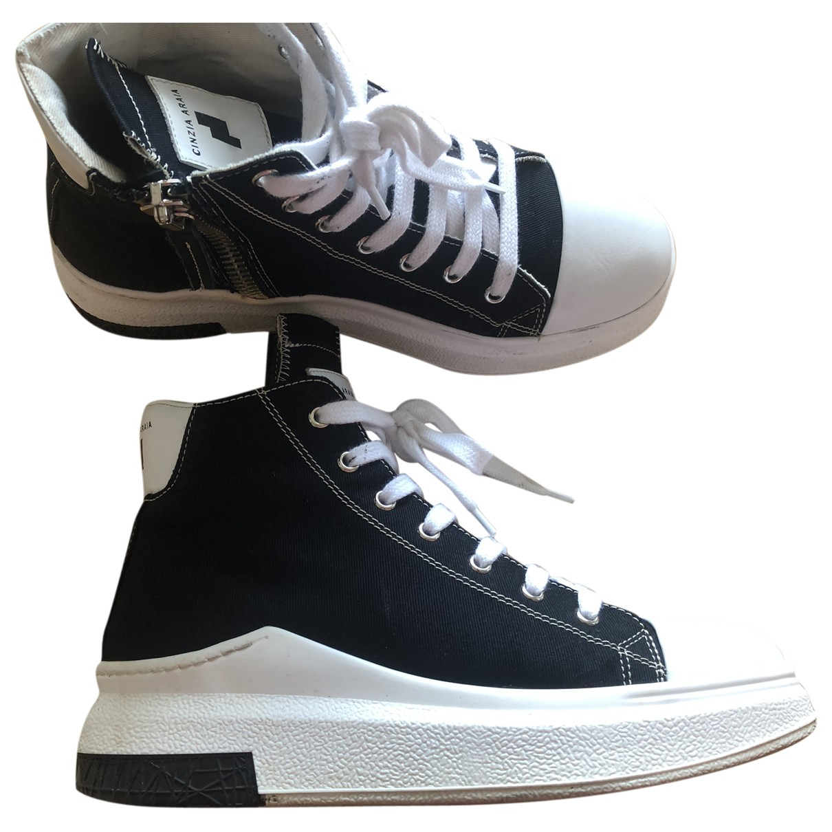 Cinzia Araia \N Sneakers in  Schwarz Leinen
