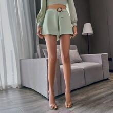 Double Crazy Shorts mit Reissverschluss hinten, Guertel und breitem Beinschnitt
