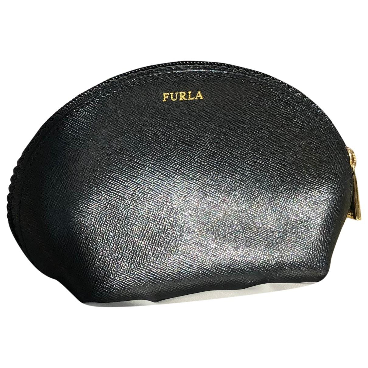 Furla \N Clutch in  Schwarz Leder