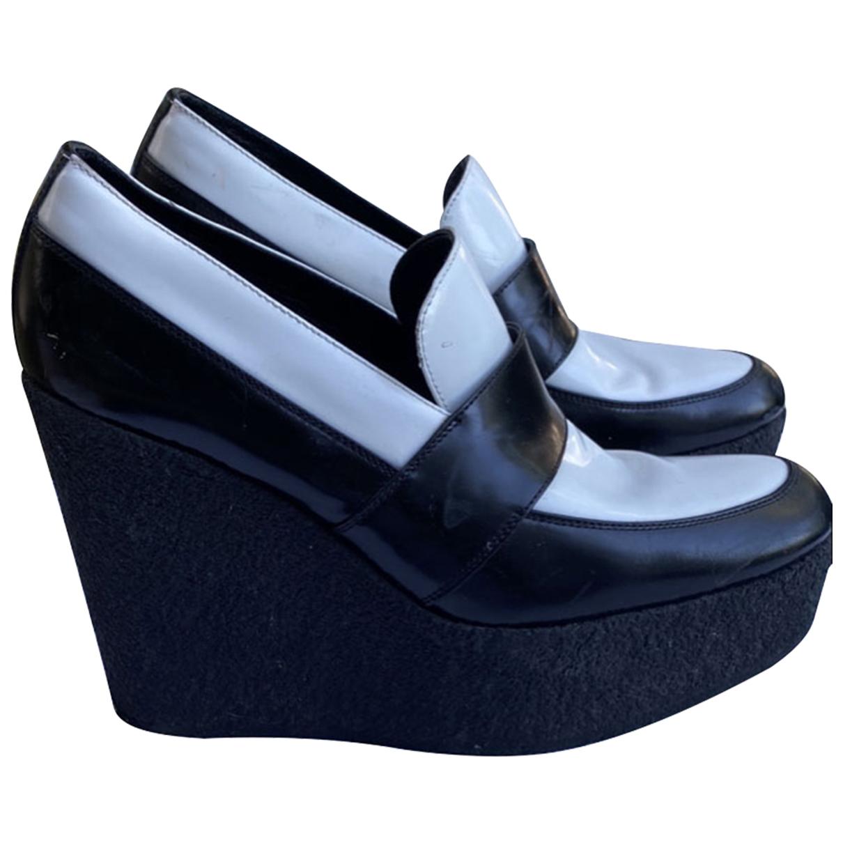 Celine \N Pumps in  Schwarz Leder