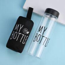 Wasserflasche mit Buchstaben Grafik und Tasche