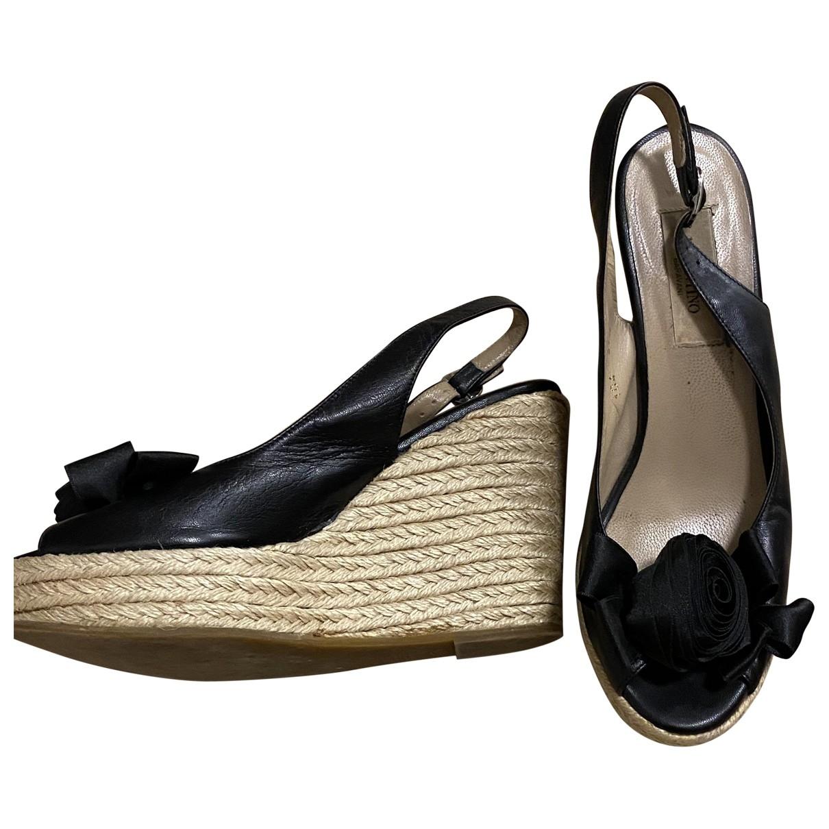 Valentino Garavani - Espadrilles   pour femme en cuir - noir