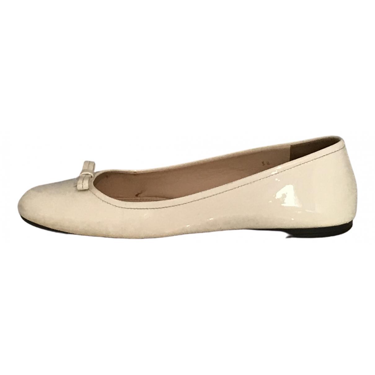 Prada \N White Patent leather Ballet flats for Women 38 EU