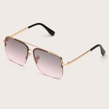 Sonnenbrille mit metallischem Rahmen und getonten Linse