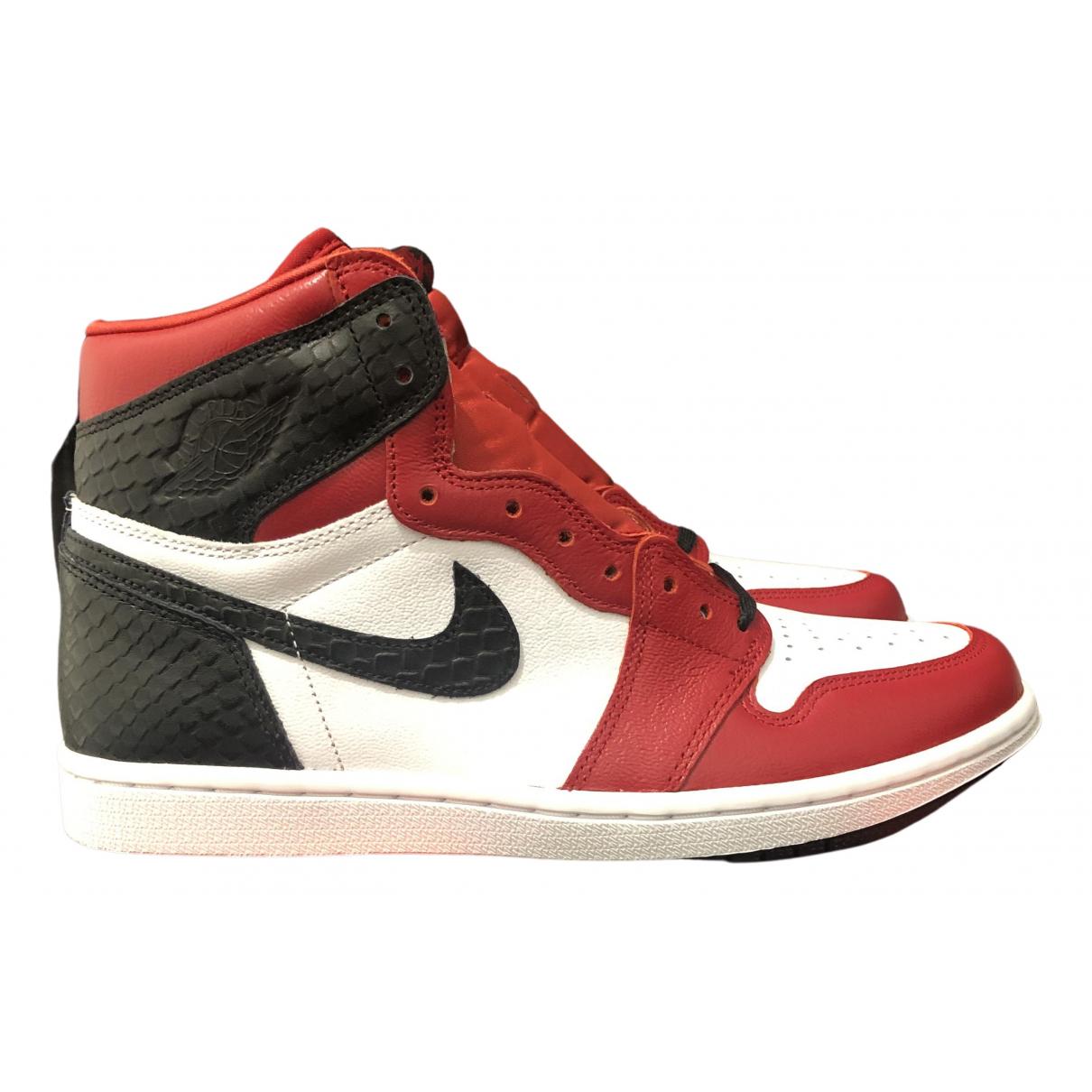 Jordan - Baskets Air Jordan 1  pour femme en cuir verni - rouge