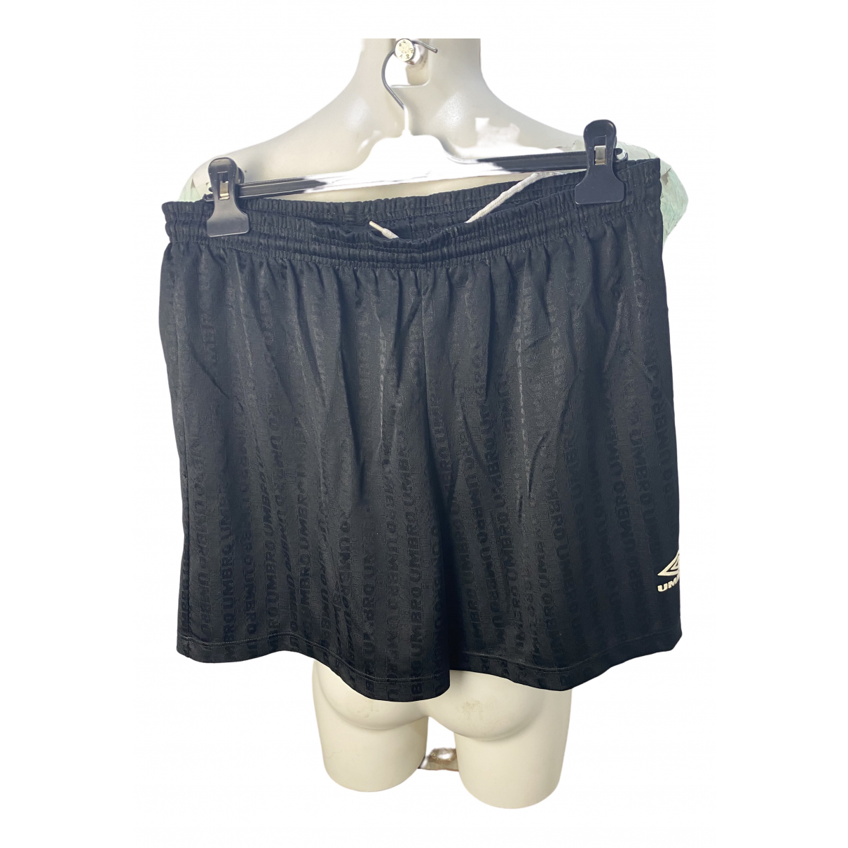 Umbro \N Shorts in  Schwarz Polyester