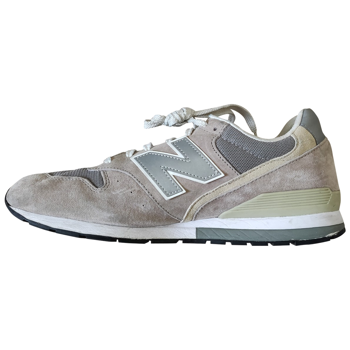 New Balance \N Beige Suede Trainers for Men 46.5 EU