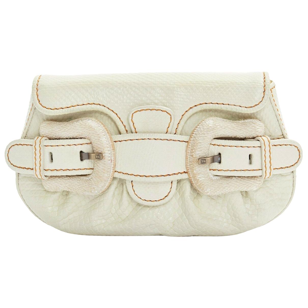 Fendi \N White Python Clutch bag for Women \N