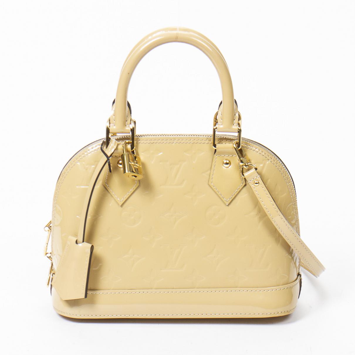Louis Vuitton Alma BB Handtasche in  Beige Lackleder