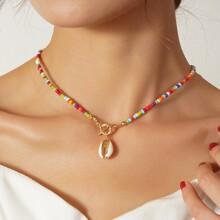 Halskette mit Schale und Perlen Dekor