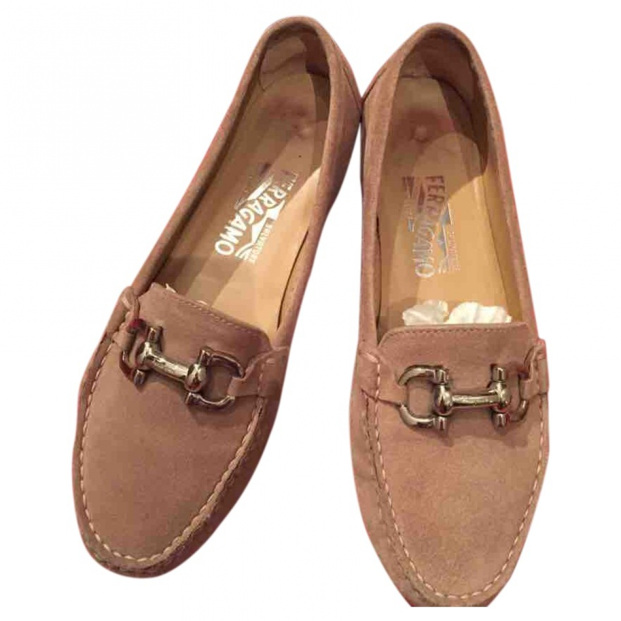 Salvatore Ferragamo \N Mokassins in  Beige Veloursleder