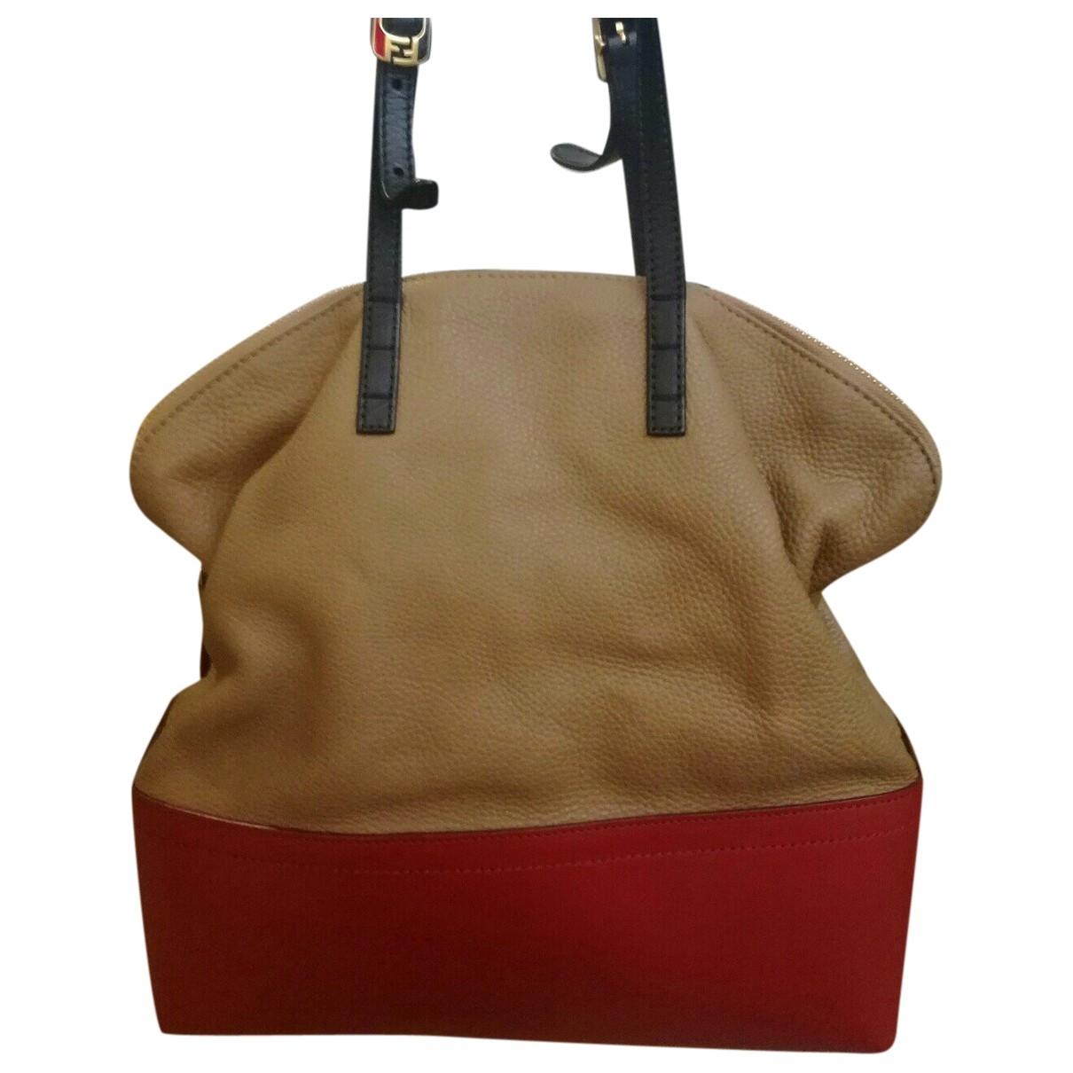 Fendi \N Handtasche in  Kamel Leder