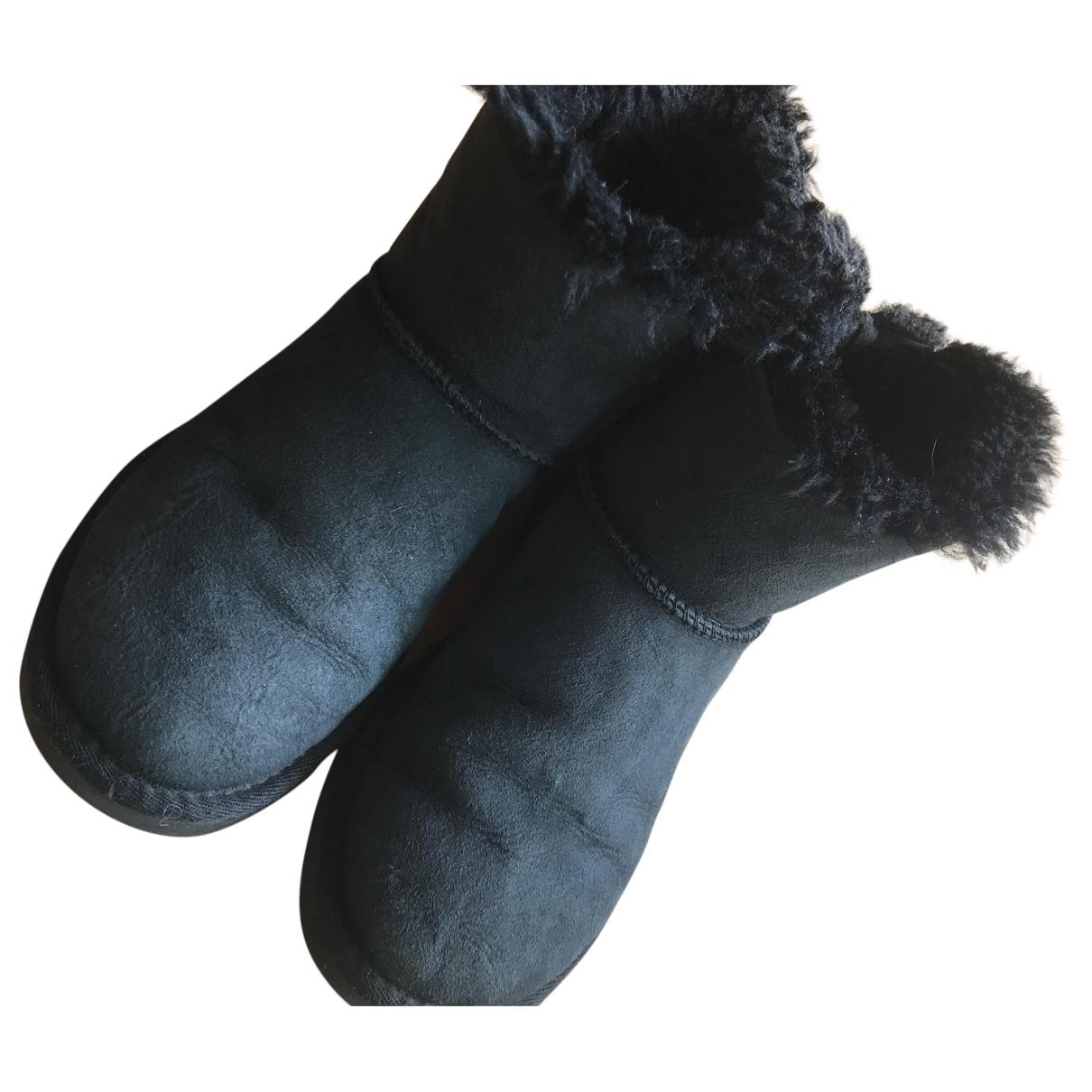 Ugg - Bottes   pour femme en suede - noir