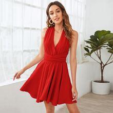 Vestido de espalda abierta con cordon rojo neon