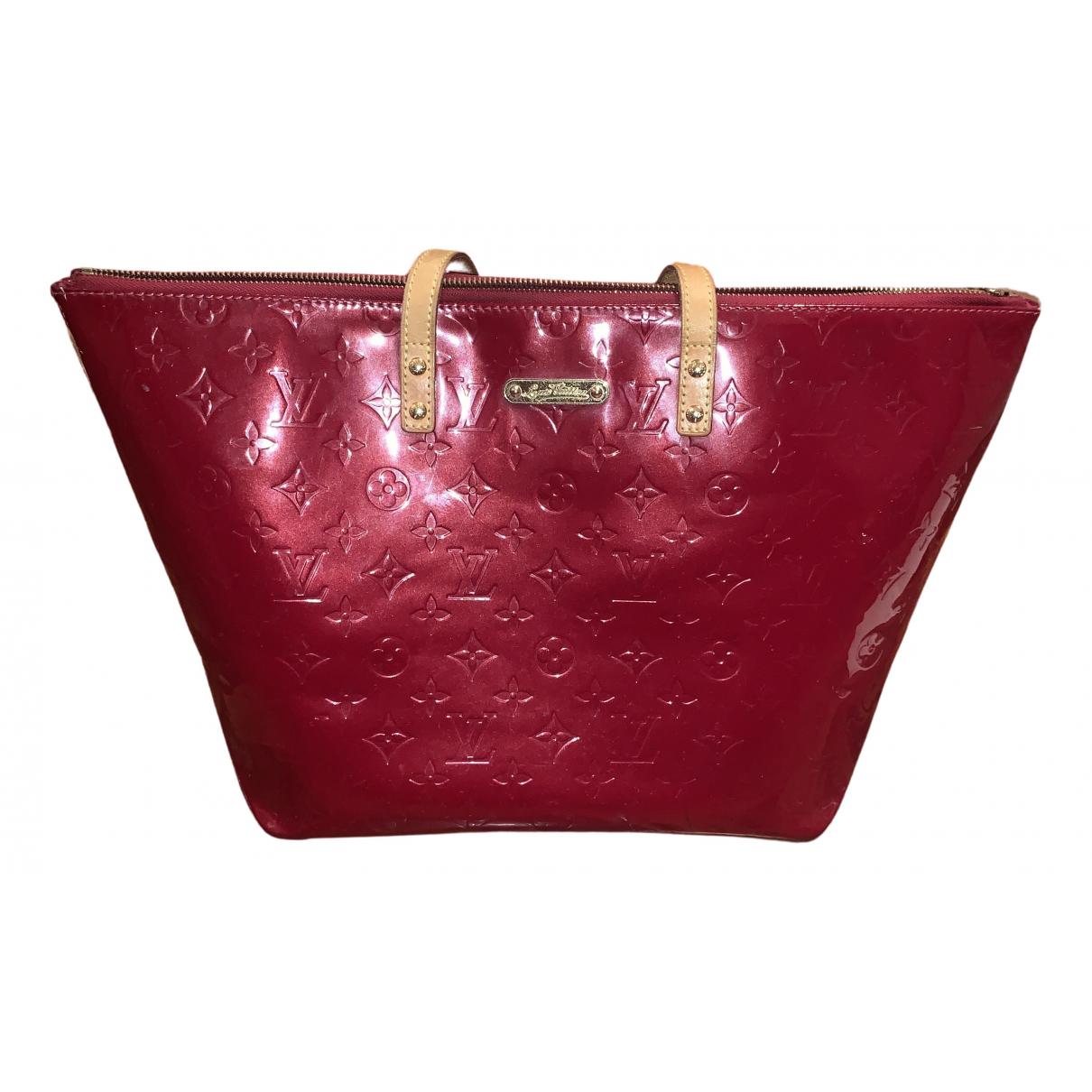 Louis Vuitton Bellevue Handtasche in  Rot Lackleder