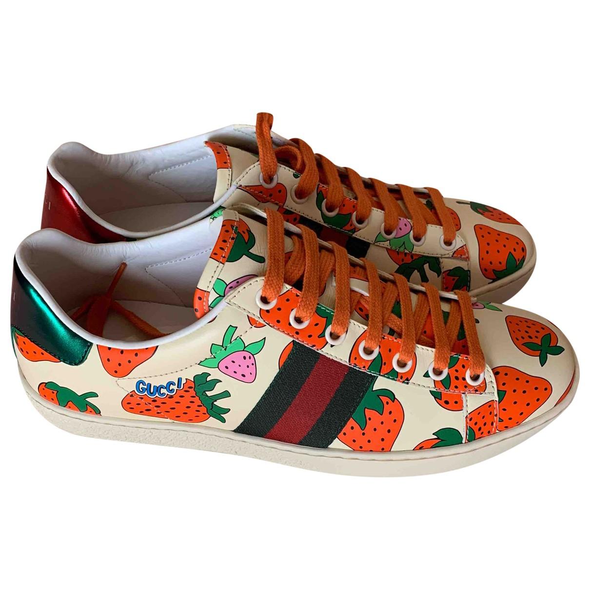 Gucci Ace Sneakers in  Beige Leder