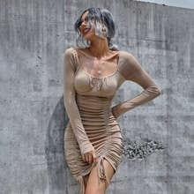 Figurbetontes Kleid mit Ruesche, Kordelzug und Knoten