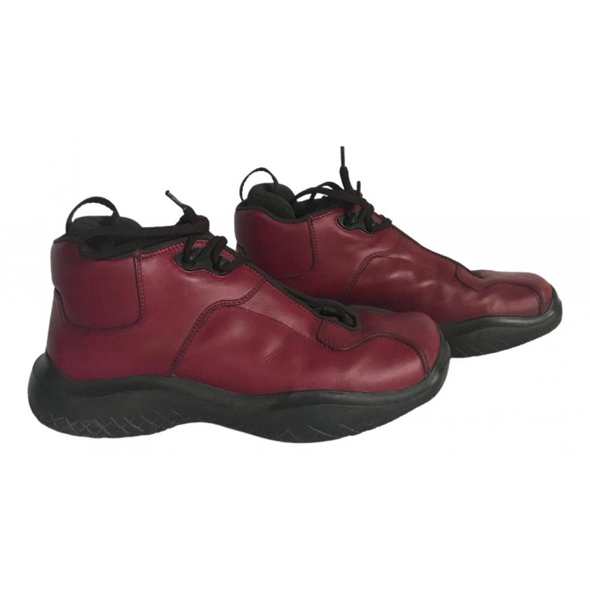 Prada \N Sneakers in  Rot Leder