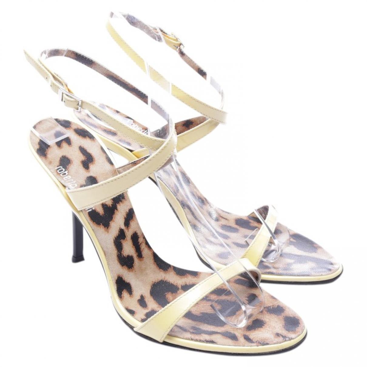 Roberto Cavalli \N Yellow Leather Sandals for Women 37.5 EU