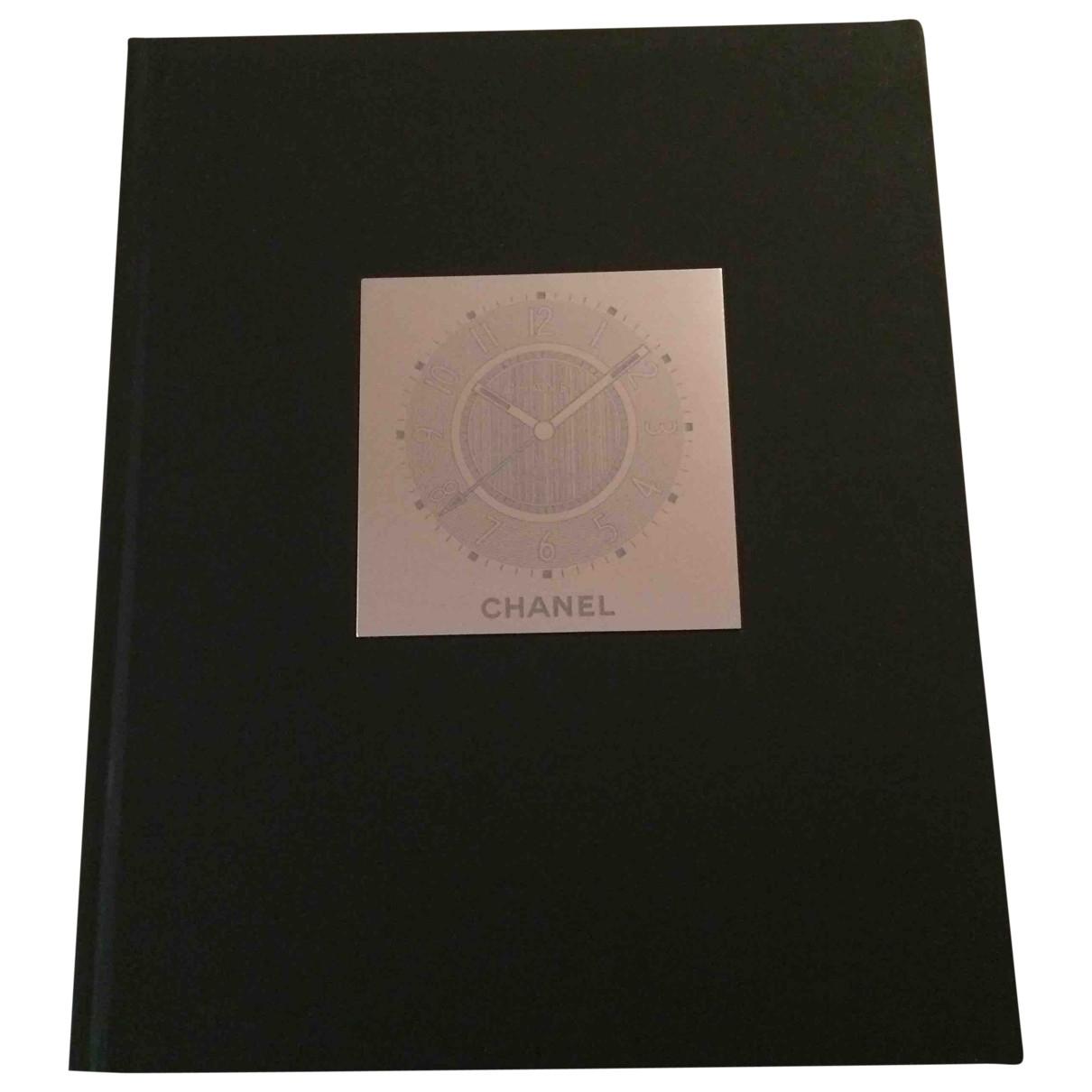 Chanel \N Wood Fashion for Life & Living \N