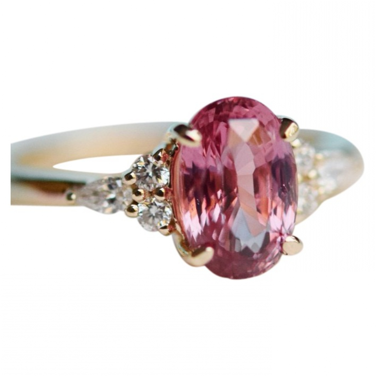 Non Signe / Unsigned Solitaire Ring in  Rosa Gelbgold