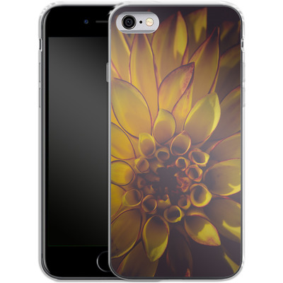 Apple iPhone 6 Silikon Handyhuelle - Yellow Dahlia von Joy StClaire