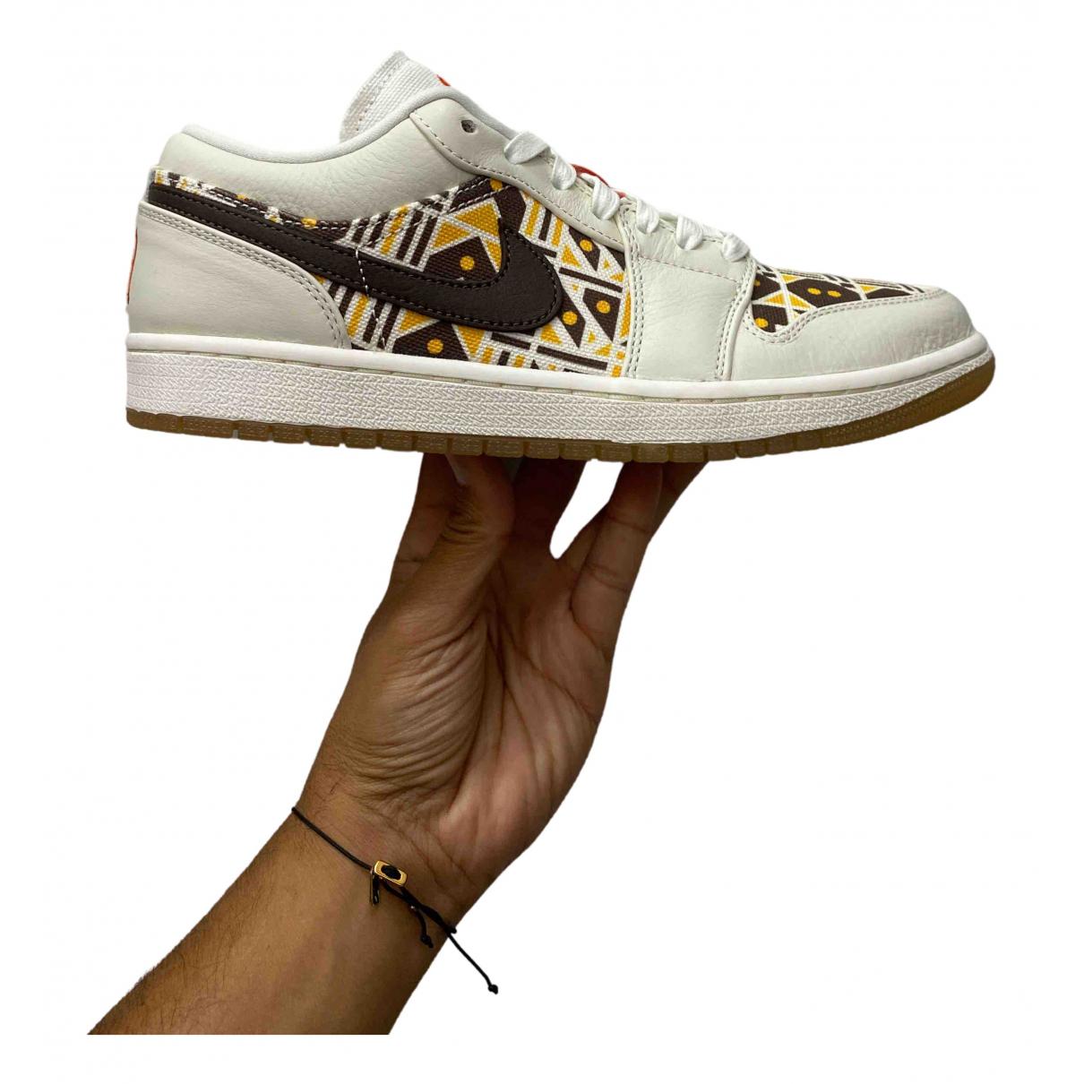 Jordan Air Jordan 1  Sneakers in  Beige Leder