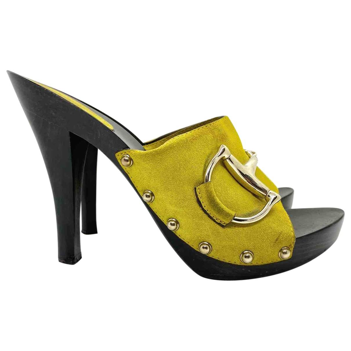 Gucci \N Clogs in  Gelb Leder