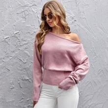 Pullover mit asymmetrischem Kragen und sehr tief angesetzter Schulterpartie