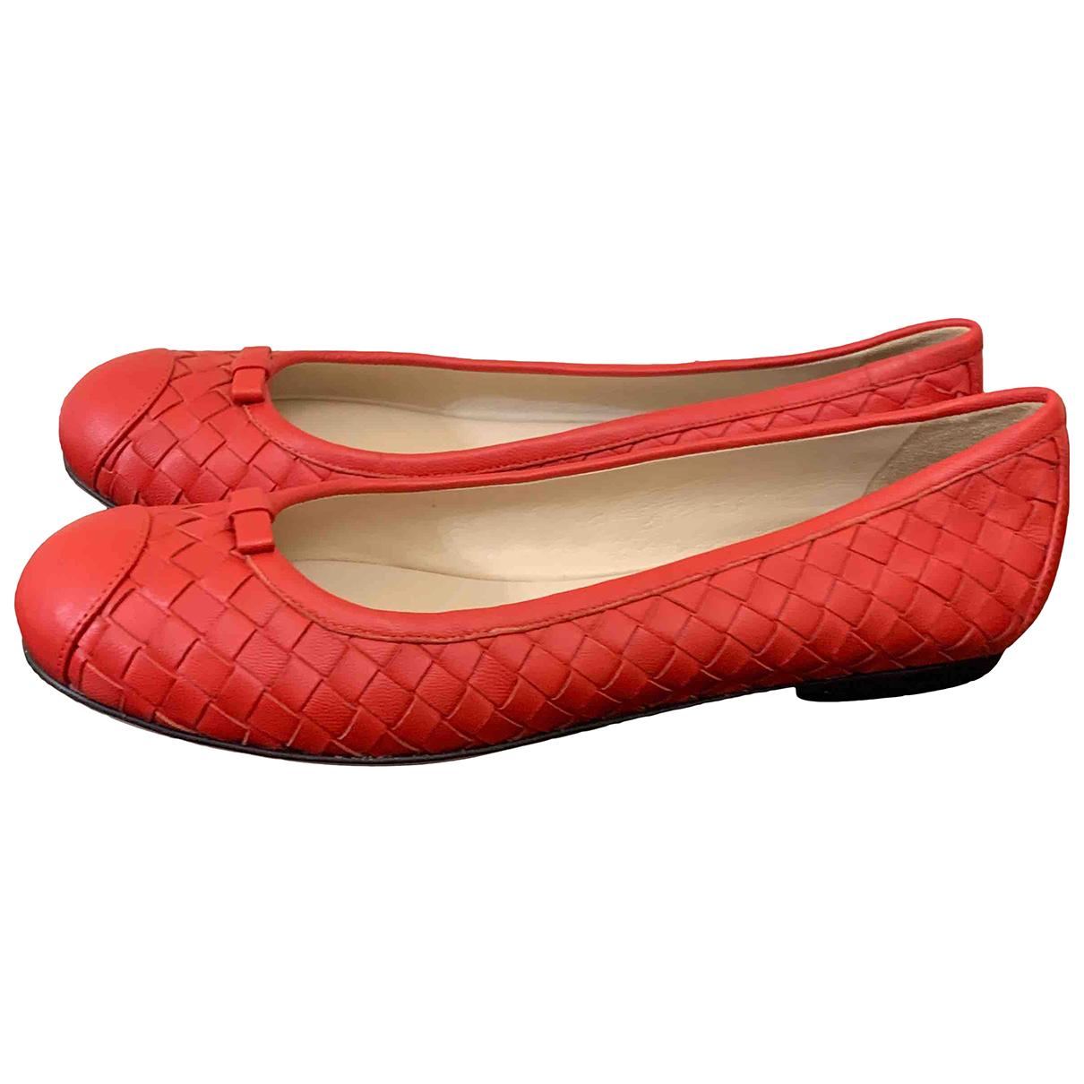 Bottega Veneta \N Sandalen in  Rot Leder
