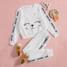Conjunto pullover con cinta con letra con bordado de dibujos animados con pantalones deportivos