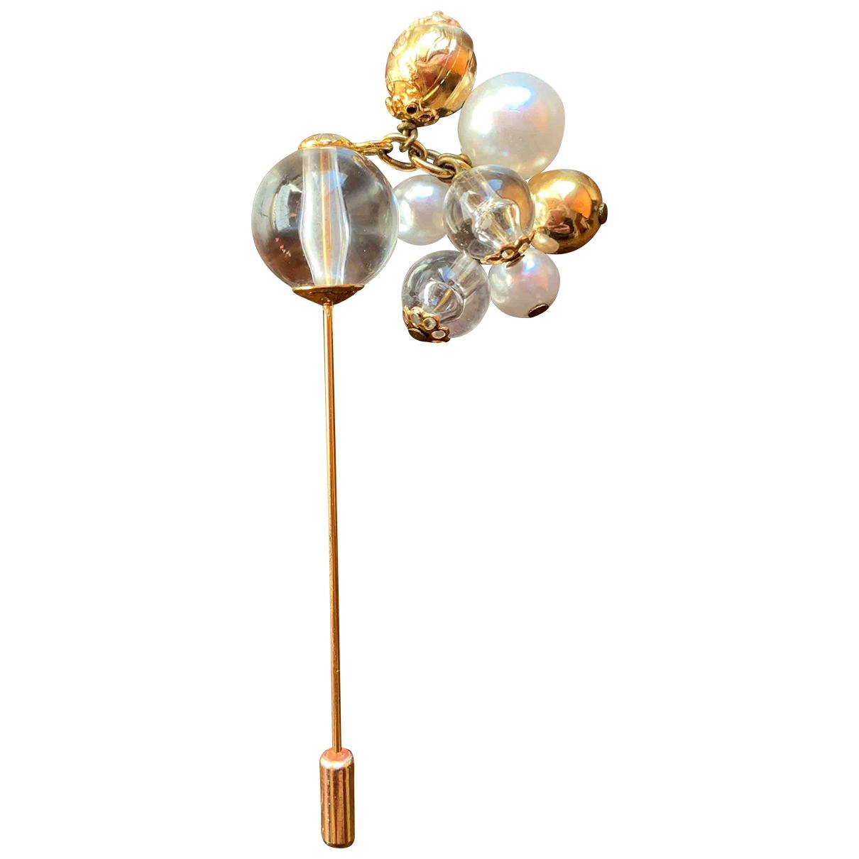 Salvatore Ferragamo \N Brosche in  Gold Metall