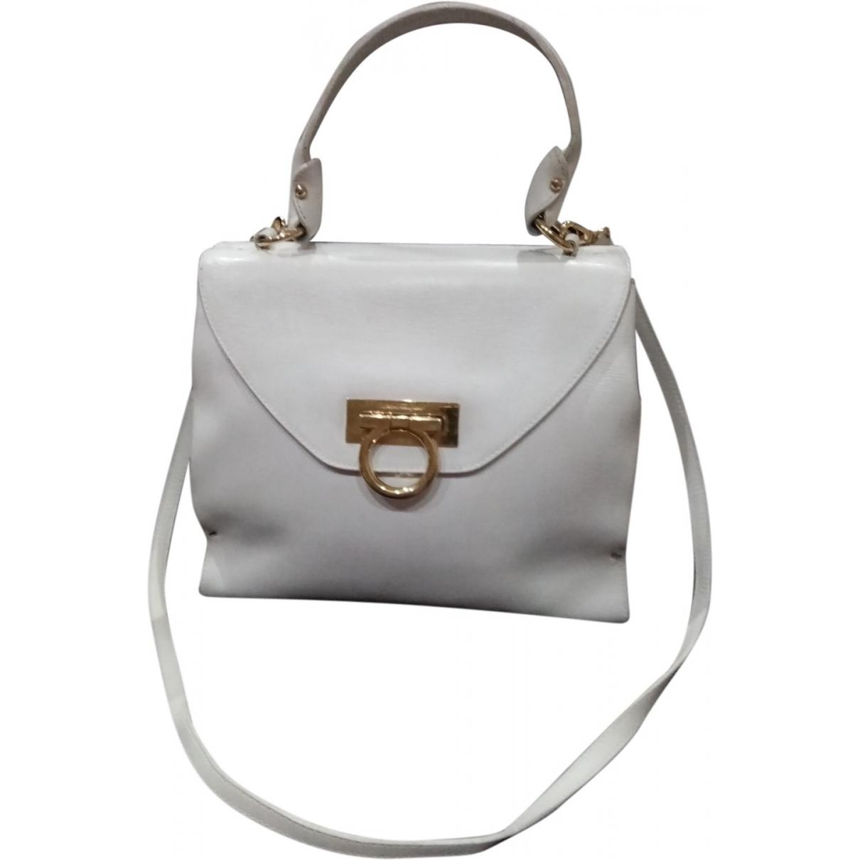Salvatore Ferragamo \N Handtasche in  Weiss Leder