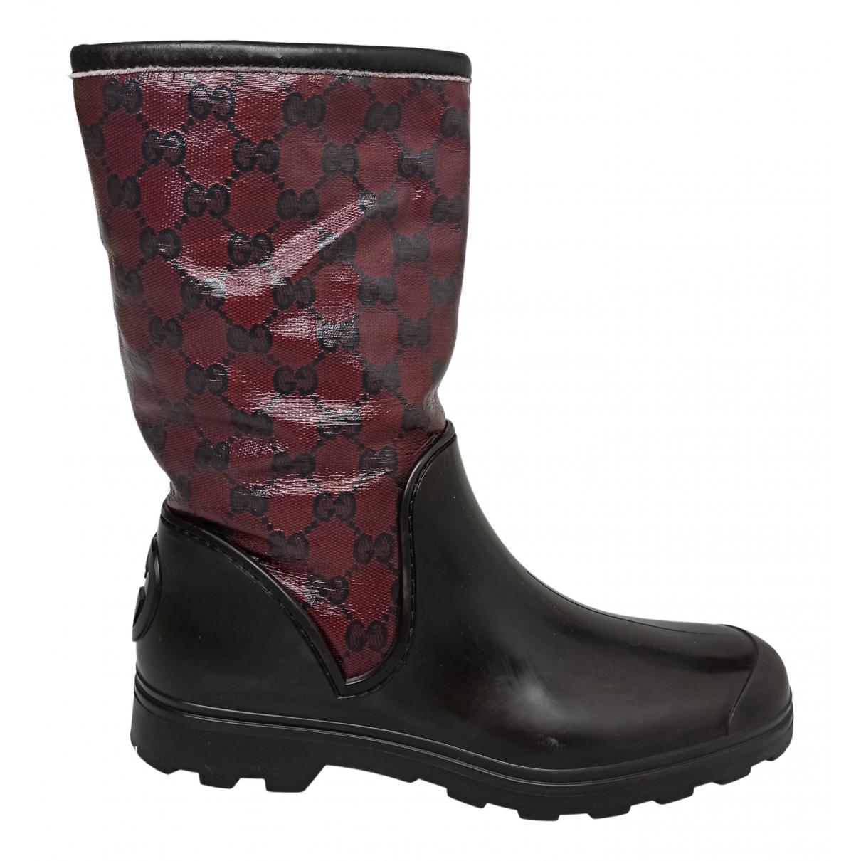 Gucci \N Stiefel in  Bordeauxrot Lackleder