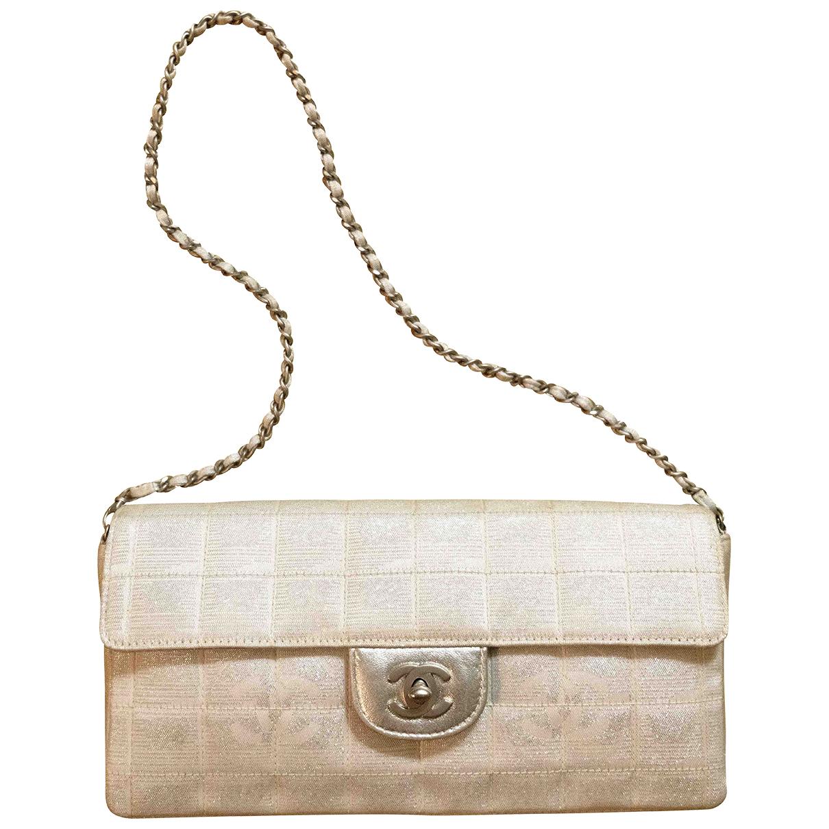 Chanel East West Chocolate Bar Handtasche in  Silber Leinen