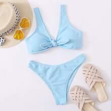 Gerippter Bikini Badeanzug mit Knoten vorn