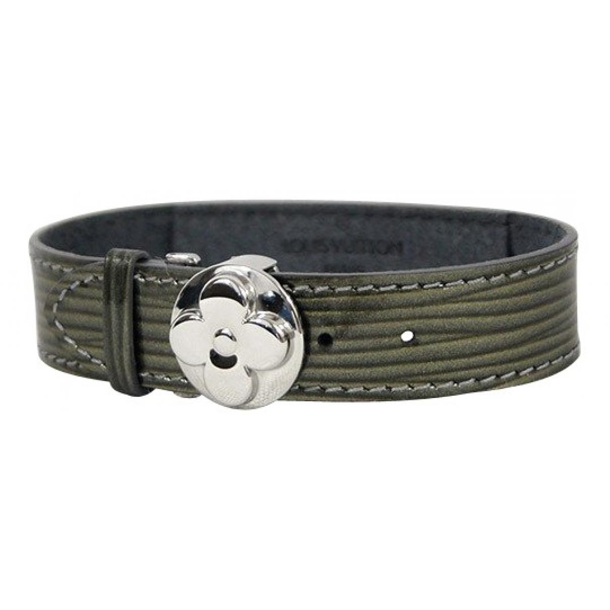 Louis Vuitton \N Armband in  Gruen Lackleder