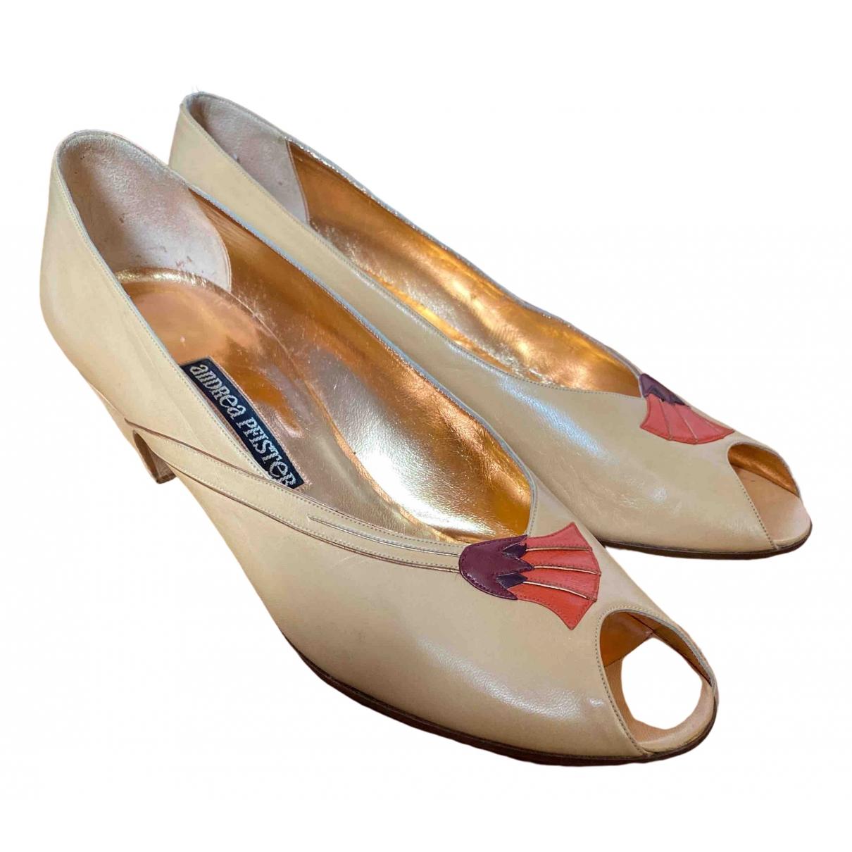 Andrea Pfister - Escarpins   pour femme en cuir - beige