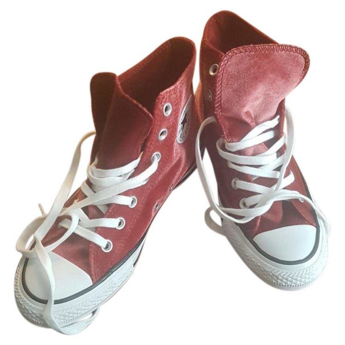 Converse \N Sneakers in  Bordeauxrot Samt