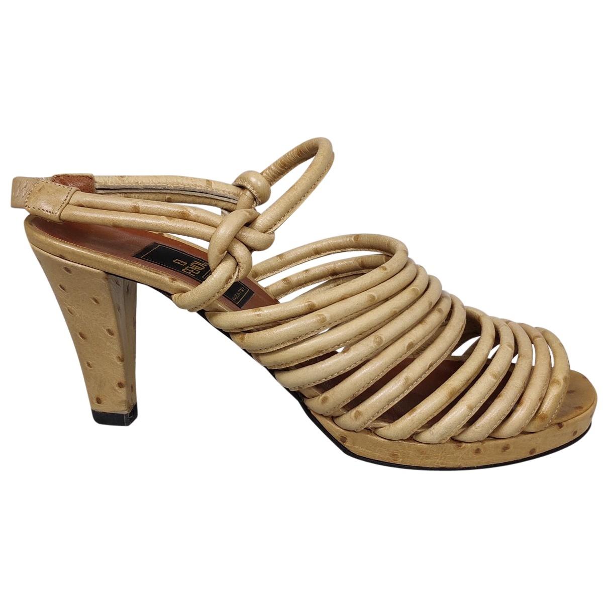 Sandalias de Avestruz Fendi