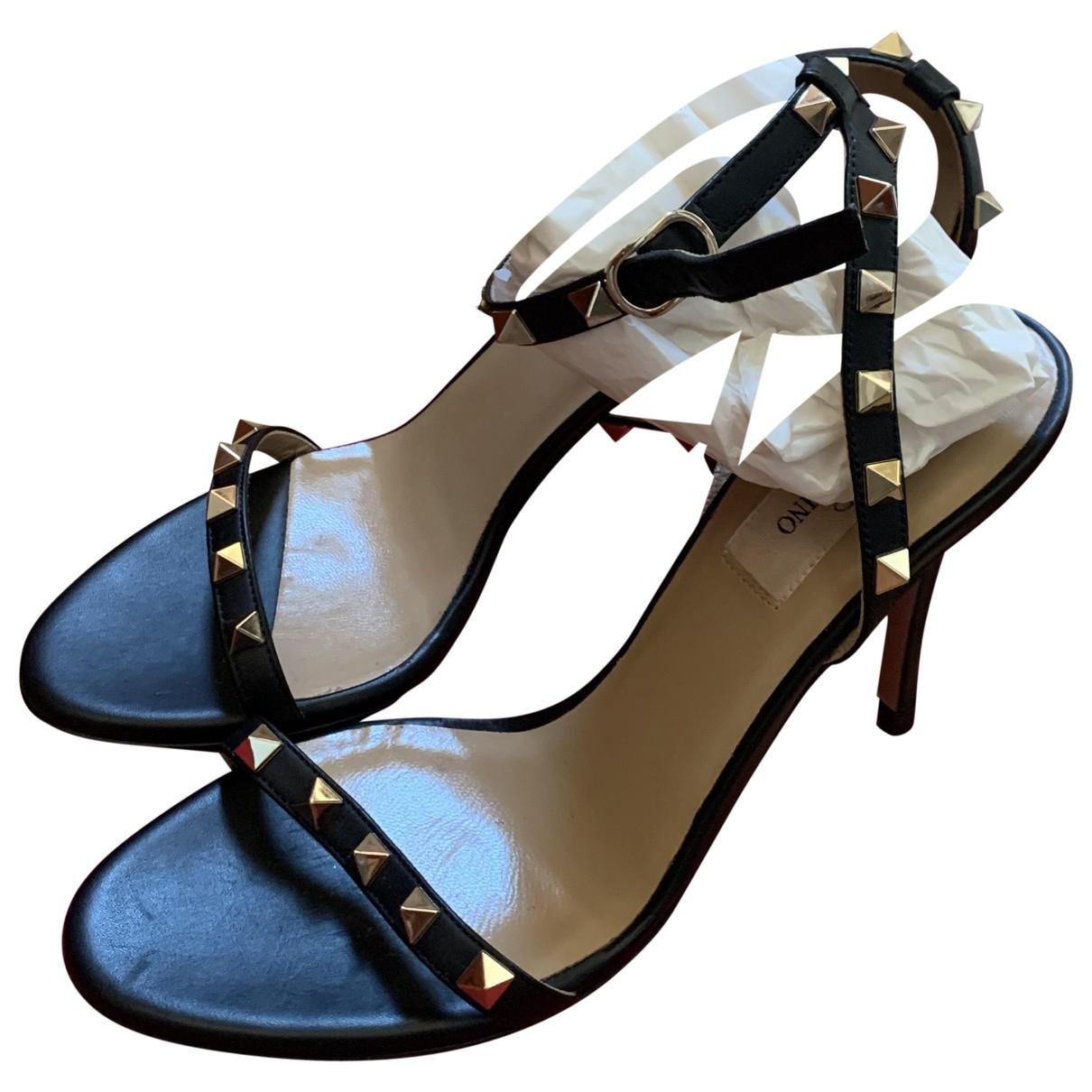 Valentino Garavani - Sandales Rockstud pour femme en cuir - noir