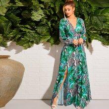 Kleid mit Schlitzaermeln und Muster