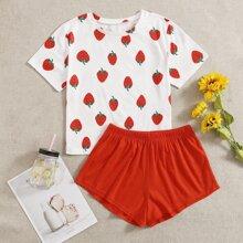 Schlafanzug Set mit Erdbeere Muster