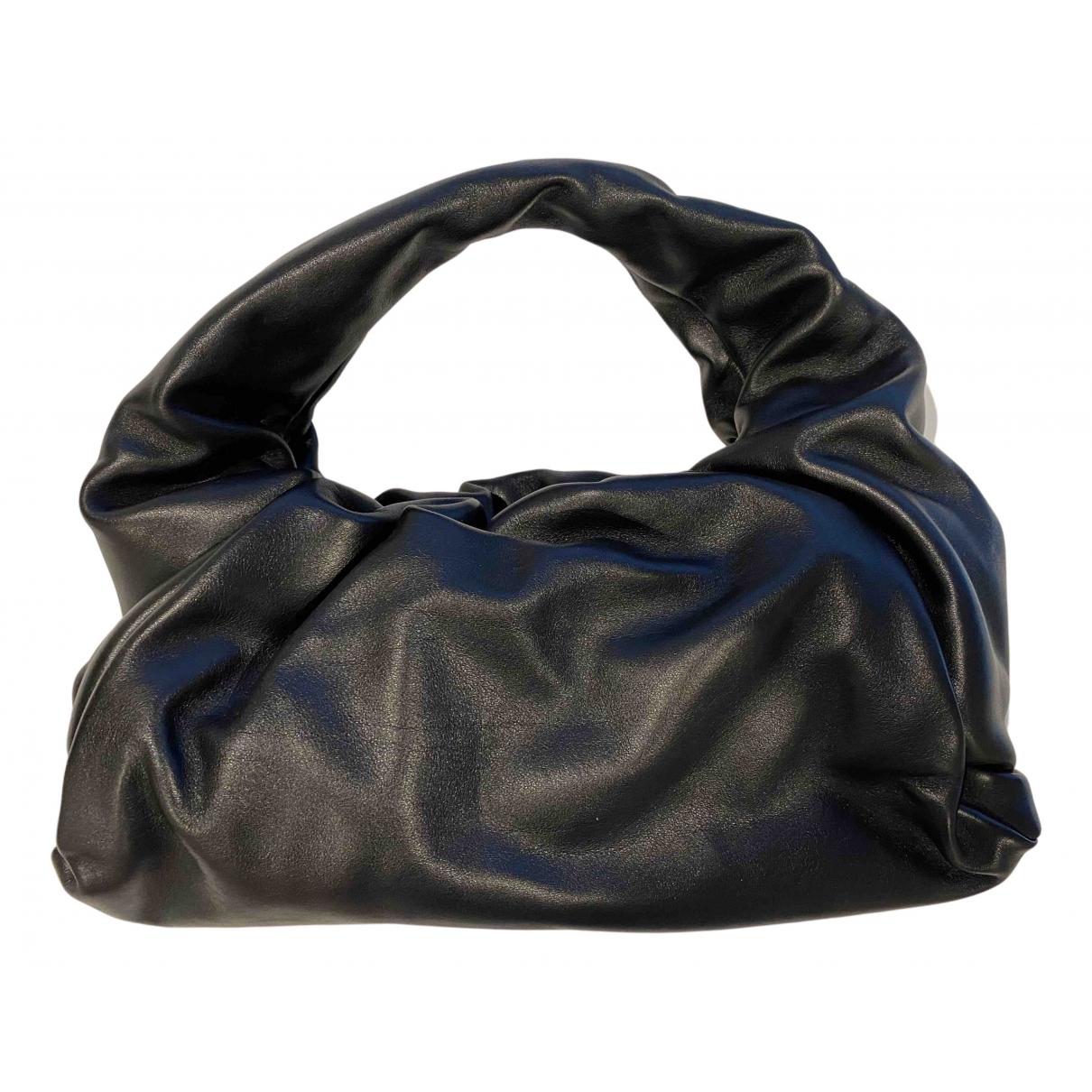 Bottega Veneta The Shoulder Pouch Black Leather handbag for Women N