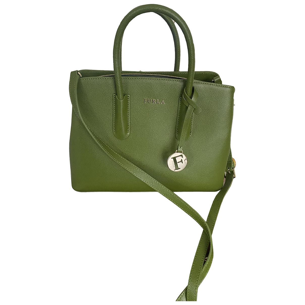 Furla \N Handtasche in  Gruen Leder